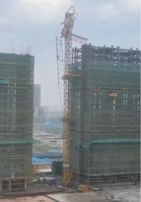 5月15日浙江杭州一在建工地塔吊发生安全事故!